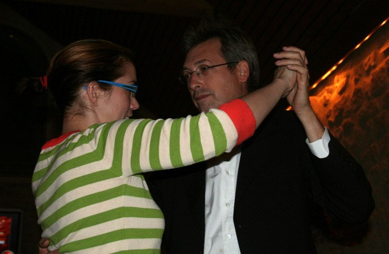 Guy Delcourt dances - la perdida france